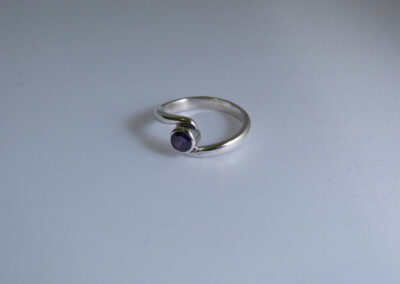 Amethyst rub over twist ring