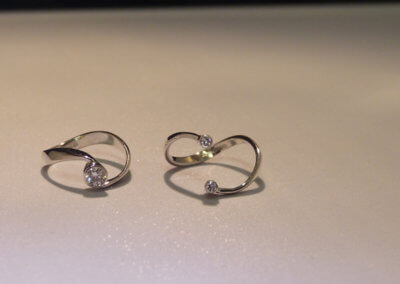 diamonds set in 18ct white gold interlocking wedding set separated