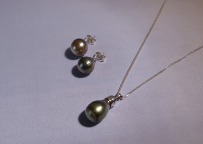 peacock pearl dropper earrings and pendant set